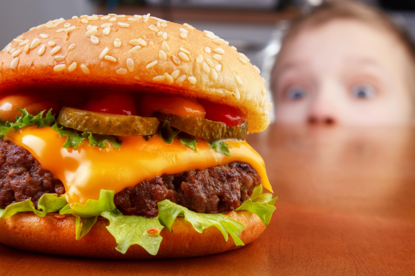 Reducing obesity using fast-food zoning regulations